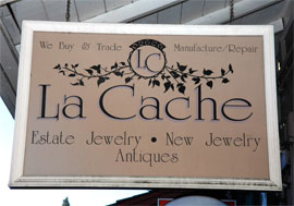 Photo of La Cache sign